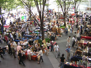 Oedo Antique Fair Finding Antiques In